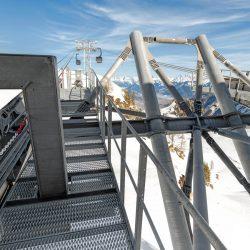 Kaprun - Bergstation_Technik_Einfahrts-Stütze rechts hinten