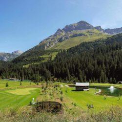 Weg vor dem Golfclub 24er_equi_equi_equi_equi